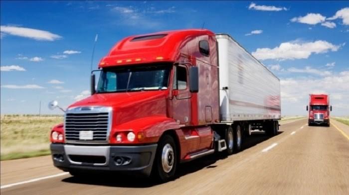 Cấm xe chở hàng lưu thông giờ cao điểm là cần thiết để giảm ùn tắc