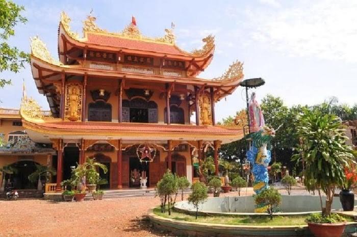 Chùa Pháp Bửu rất nổi tiếng tại Hóc Môn